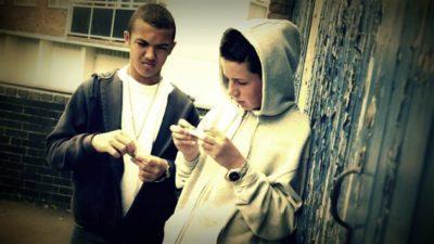 teens-smoking-pot-marijuana-healthrisk--ayeneh-blog-photo-compress-comp